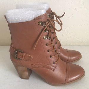 New Bella Vita Kennedy Lace Up Boot